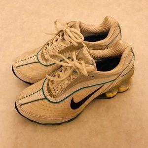Nike Women Shocks Running Shoes Shox Size 5.5